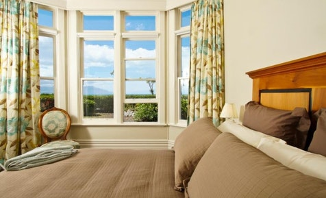 kaikoura holiday park beachfront villa